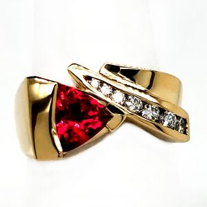 .97 ct. Rubellite and Diamond 18k Ring