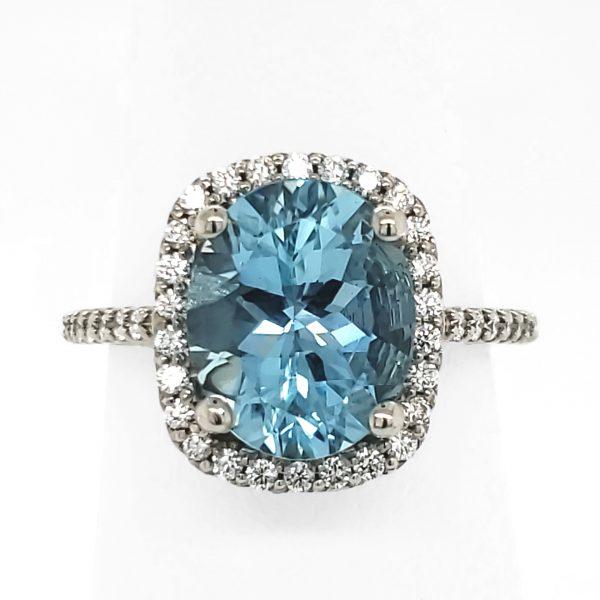 3.41 carat Aquamarine and Diamond Ring